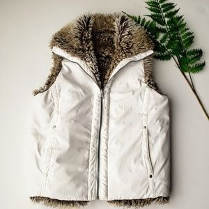 Weatherproof Faux Fur Reversible Vest Size Small
